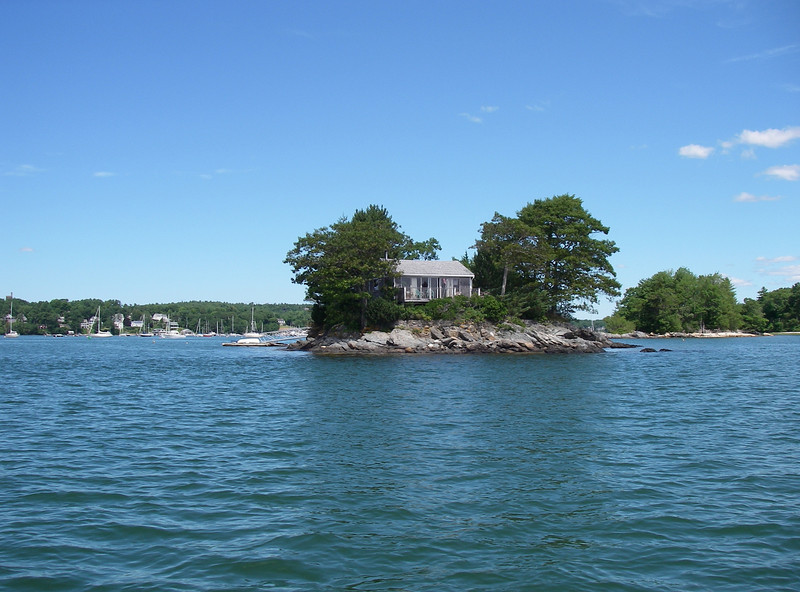 Island in the entrance to the Harraseeket River, in the inner part of Casco Bay.