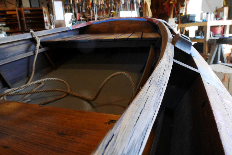 Wood checking along the inner gunwale