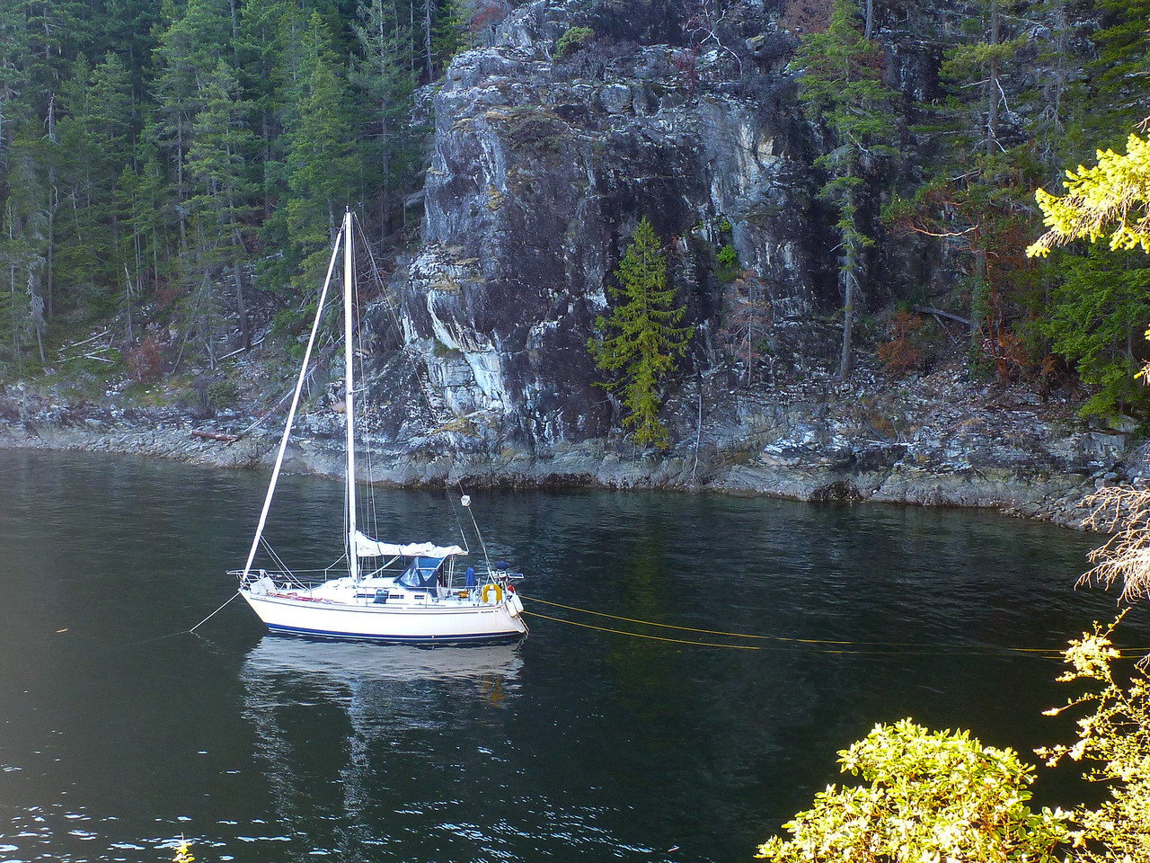 Anchorage in Teakerne Arm.  Surrounded by cliffs in very deep water!