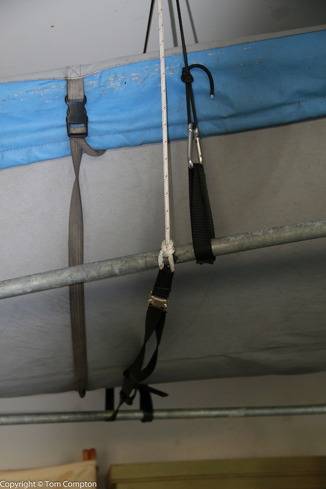Detail of front safety strap.