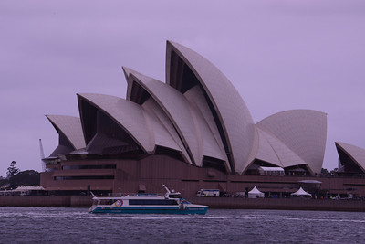 Sea shells of the Sydney Opera House with Fastcat Ferry.