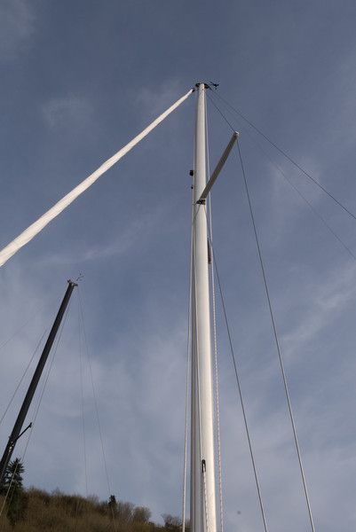 mast bend, low backstay tension