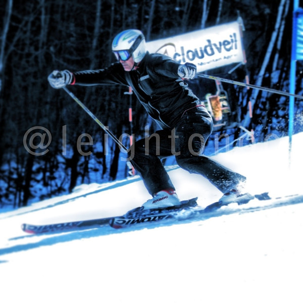Live action of Atlantis Cloudveil Snowflake Regatta @attitashresort #skiing #riding #racing #newhampshire