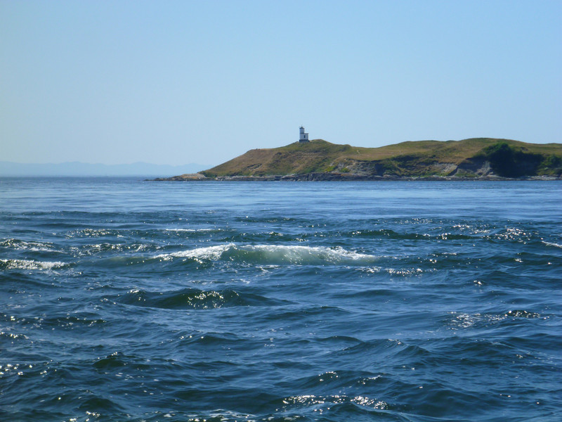 Approaching San Juan Island and the currents near Cattle Pass