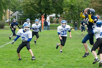 6th Grade Football vs Shrine   2010-10-02  18