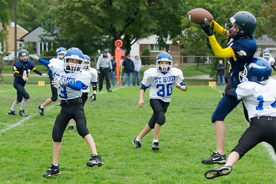 6th Grade Football vs Shrine   2010-10-02  19