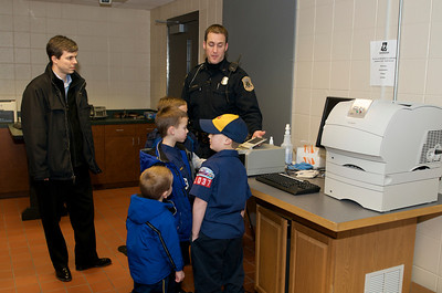 Cub Scout Police Station  2010-01-13  27