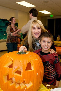 Cub Scouts Pumpkin Carving  2009-10-22  26