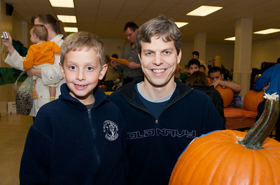 Cub Scouts Pumpkin Carving  2009-10-22  31