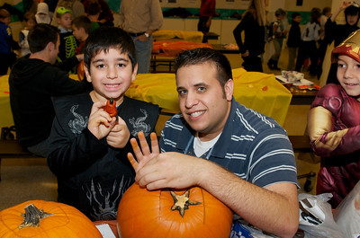 Cub Scouts Pumpkin Carving  2009-10-22  19