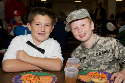 Cub Scouts Pumpkin Carving  2009-10-22  8