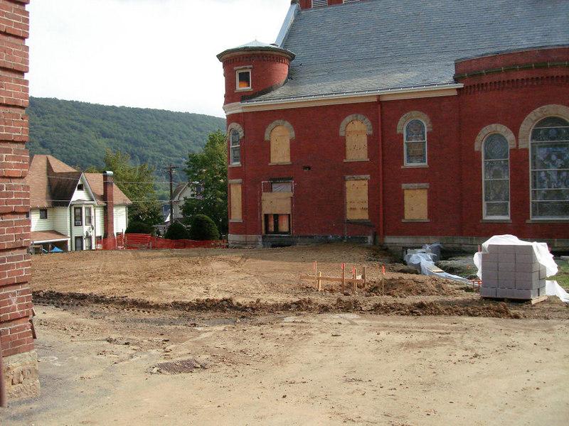 Saint Matthews Renovations 9-10-06 (15)