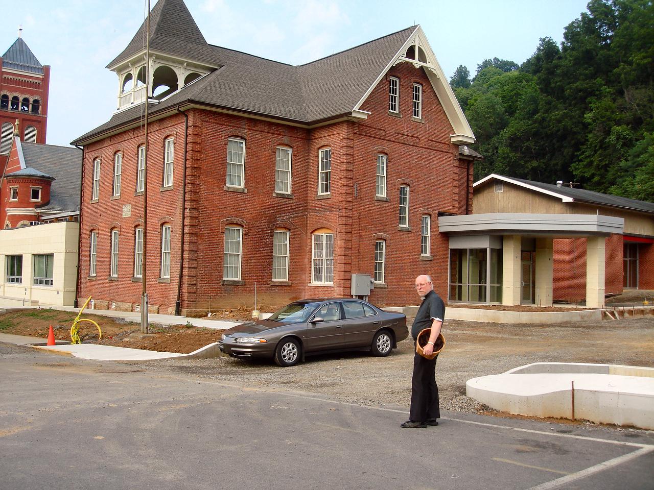 Saint Matthews Renovations 7-28-07 (9)