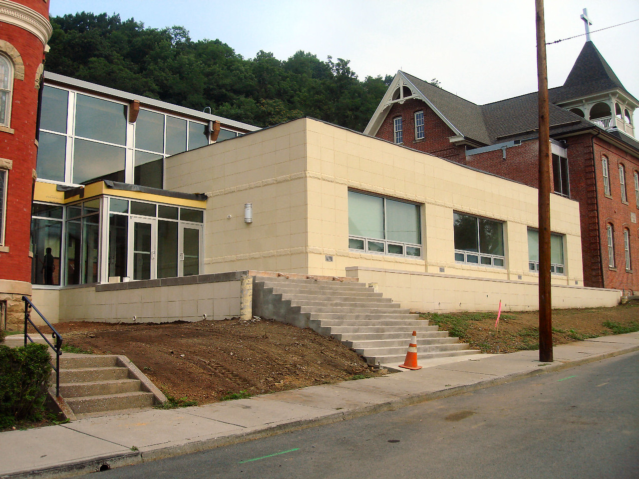 Saint Matthews Renovations 7-28-07 (7)