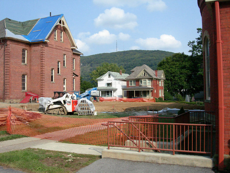 Saint Matthews Renovations 9-10-06 (13)
