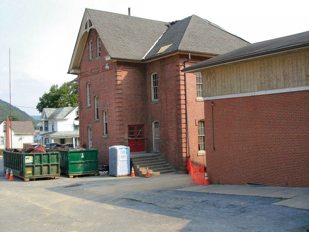 Saint Matthews Renovations 9-10-06 (1)