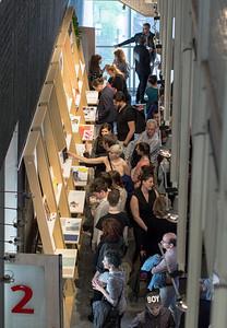 Vernissage à tous les étages! 20 mai 2015 ÉDITION SPÉCIALE 2015 21 au 24 mai 2015 Entrée libre, du jeudi au dimanche, de midi à 18h photos: Justin Lapointe©