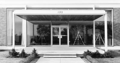 NS_10 : Bureaux et entrepôt, Keuffel & Esser, Ville St-Laurent, 1964