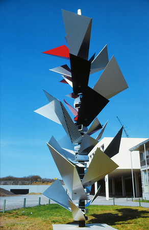 NS_12 : Sculpture «Conifère», Collège technique, Donnacona, 1965