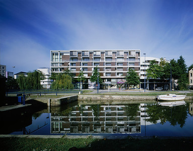 Logements, Port Saint-Martin, Rennes, 2005, photo JM Monthiers ©Agence Michel Kagan Architecture & Associés