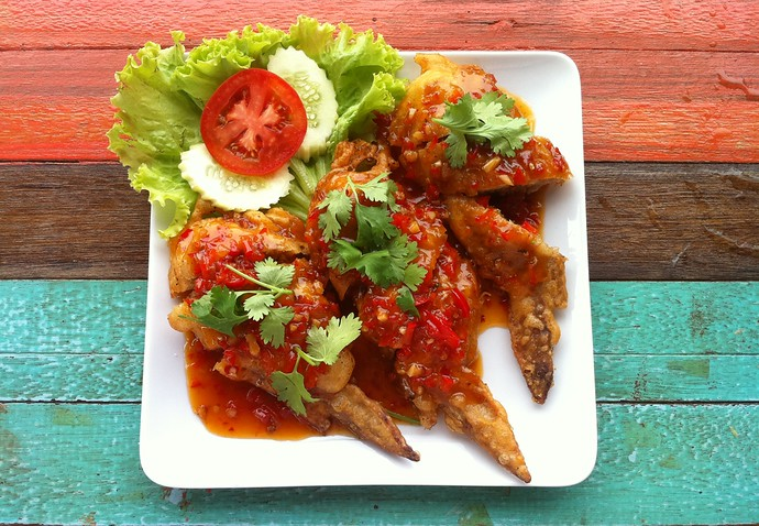 Kinnaree Salad Peek chicken wings stuffed with minced pork and chicken