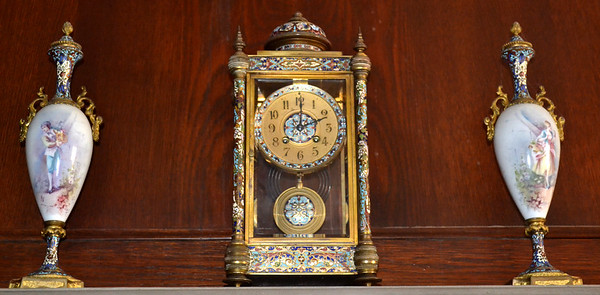2Vase-FrenchClock