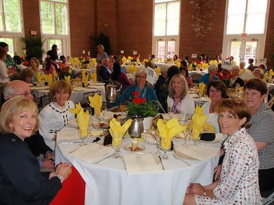 Julia McMillan Fallon, 2 guests of Mary Sparks Sterling, Louise Wiliamson Fussell, Leigh Bullard, Fran Shackelford Branch, Ann Rendleman Loper, and Susan Leonard Fonville.