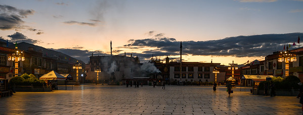 Sunrise at the Jokhang Temple