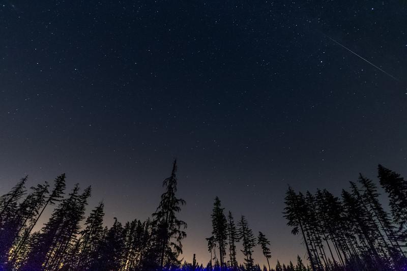 Meteor lighting the sky