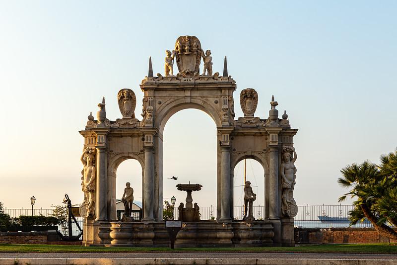 Fountain of Giant -5912