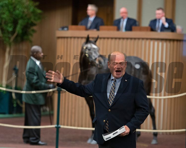 bidspotter Steve (Bo) Black Keeneland January Horses of all ages sales on Jan. 17, 2020 Keeneland in Lexington, KY. Photo: Anne M. Eberhardt
