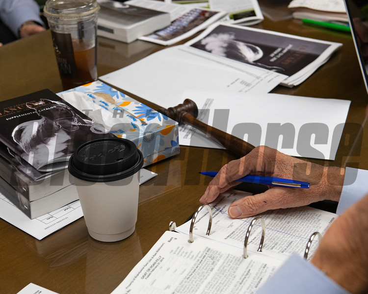 sales team room with Ryan Mahan and gavel Jan. 13, 2020 Keeneland in Lexington, KY. Photo: Anne M. Eberhardt