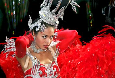 Dancer LR