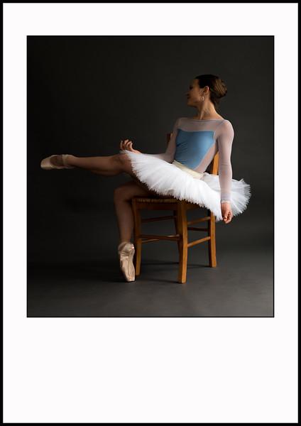 Ballerina & Chair. A3 størrelse. Trykt på GF papir. Ikke indrammet. Pris 350,00 kr