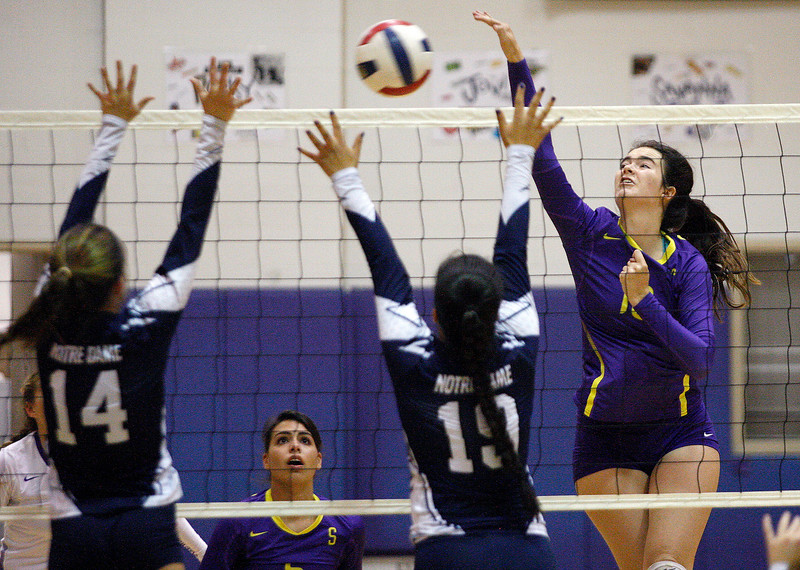 Salinas vs. Notre Dame, Girls Volleyball