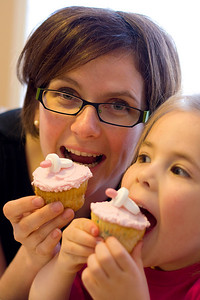 Sherie and Madison enjoying the cupcakes