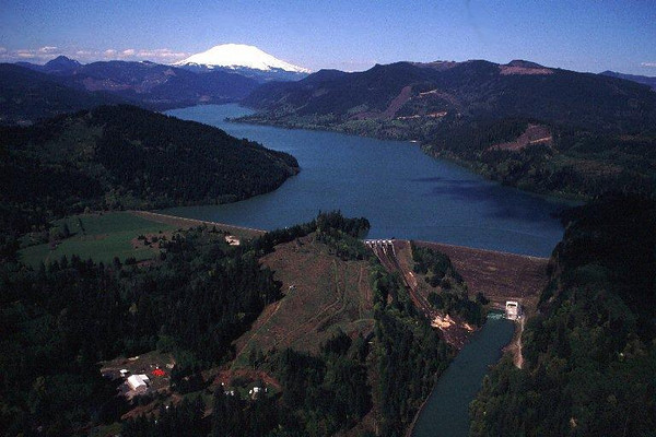 Yale Dam on the Lewis River with Mount St. Helens in the background.