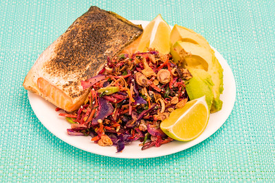Monday dinner. Oven baked torch seared salmon with stir-fried kale slaw flavoured with horseradish cream and lime 💚 Served with avocado