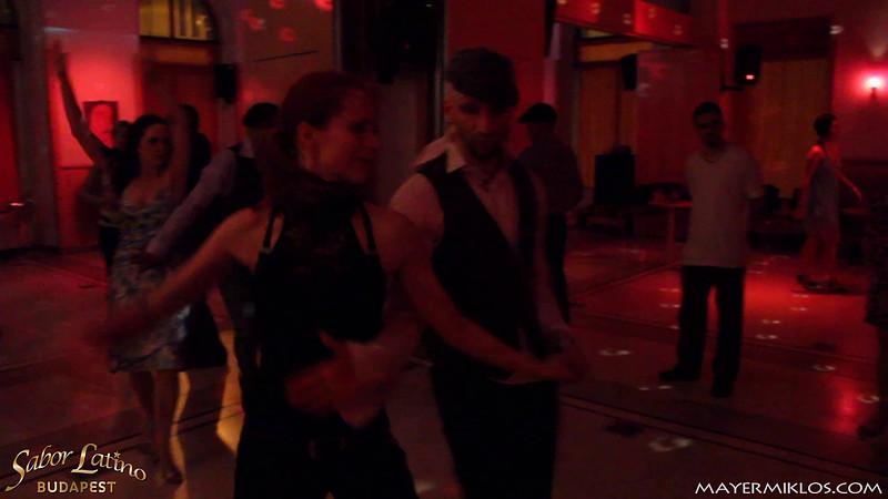 """Lóci és Márti, a  <a href=""""http://www.salsapantera.hu/""""target='_blank'>Salsa Pantera</a> oktatói on2 táncolnak a Sabor Latino fesztiválon."""