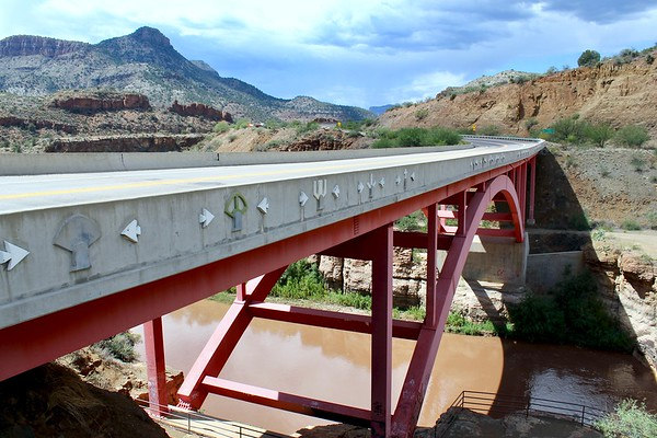 Modern Highway 60 bridge in Salt River Canyon (2018)