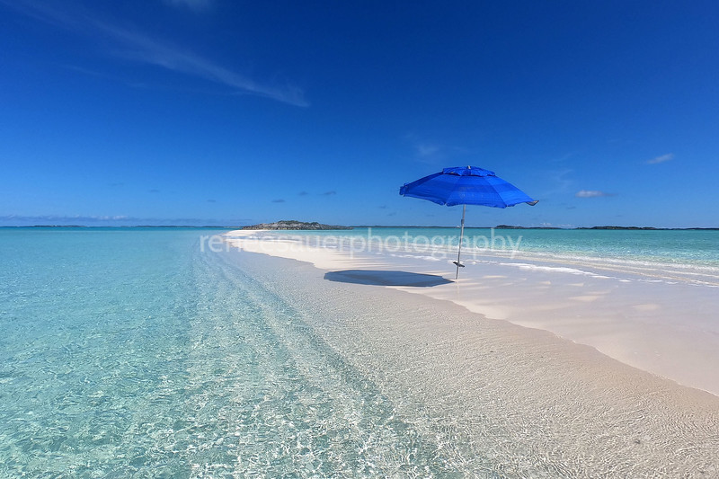 this sand bar only appears at low tide in the  exumas