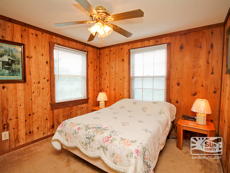 Mid-Level Full Bedroom