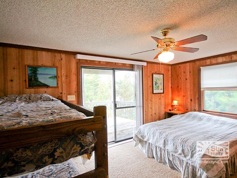 Mid-Level Queen and Bunk Bedroom