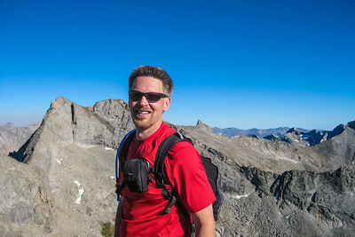 Up on the summit, with Goat Peak beyond. Florian's Nudl is just above my backback. [Terry Patterson photo]