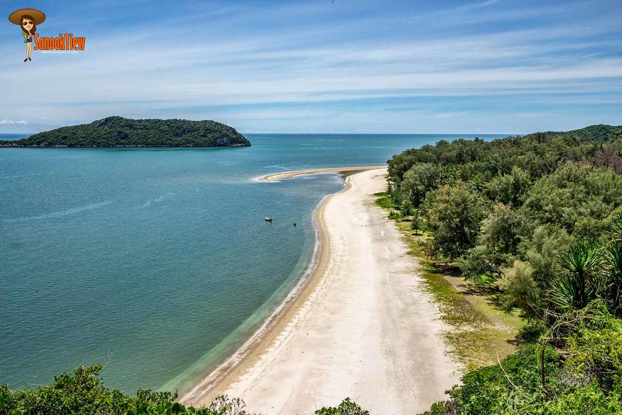 วิว หาดแหลมศาลา จากเส้นทางเดินธรรมชาติจาก ฝั่ง หาดบางปู