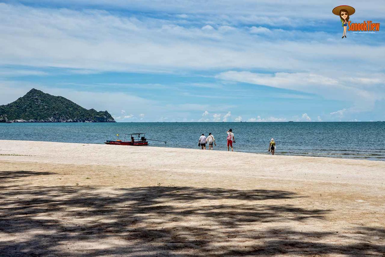 ขึ้นเรือหางยาวกลับไป หาดบางปู จาก หาดแหลมศาลา