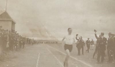 Hlaup á Melavelli í kringum 1911.