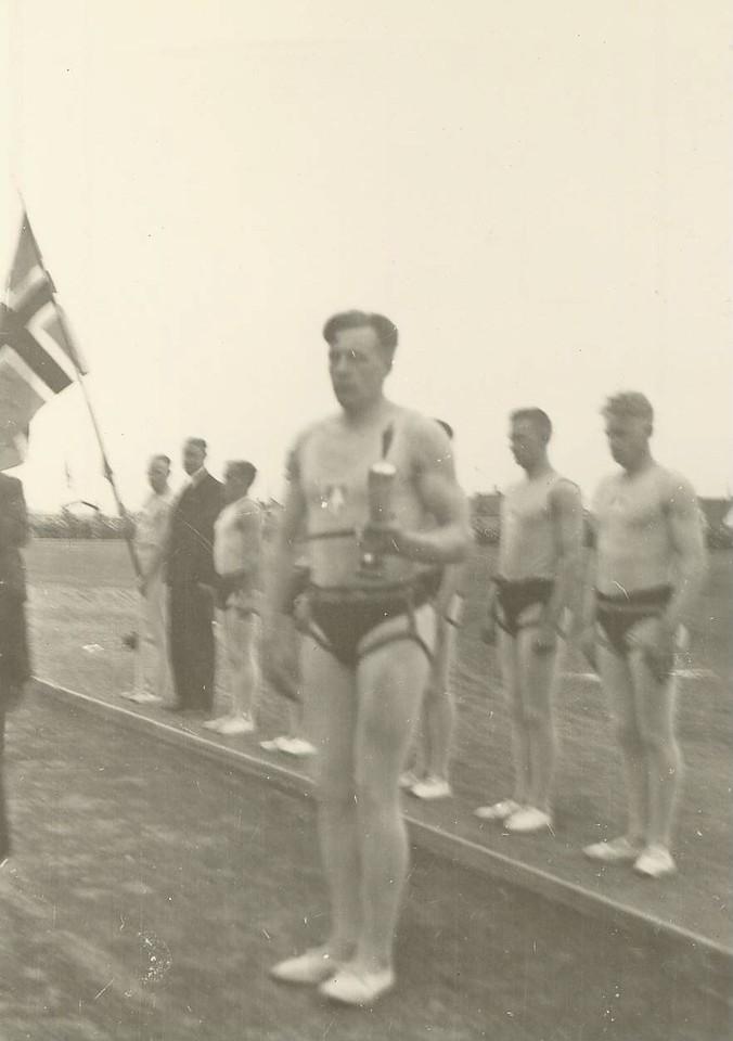 Ágúst Kristjánsson fær Stefnuhornið til eignar 1936.