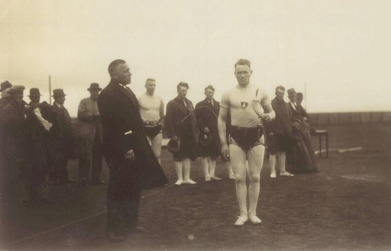 Íslandsglíman 21. júní 1931, Georg Þorsteinsson vinnur Stefnuhornið.