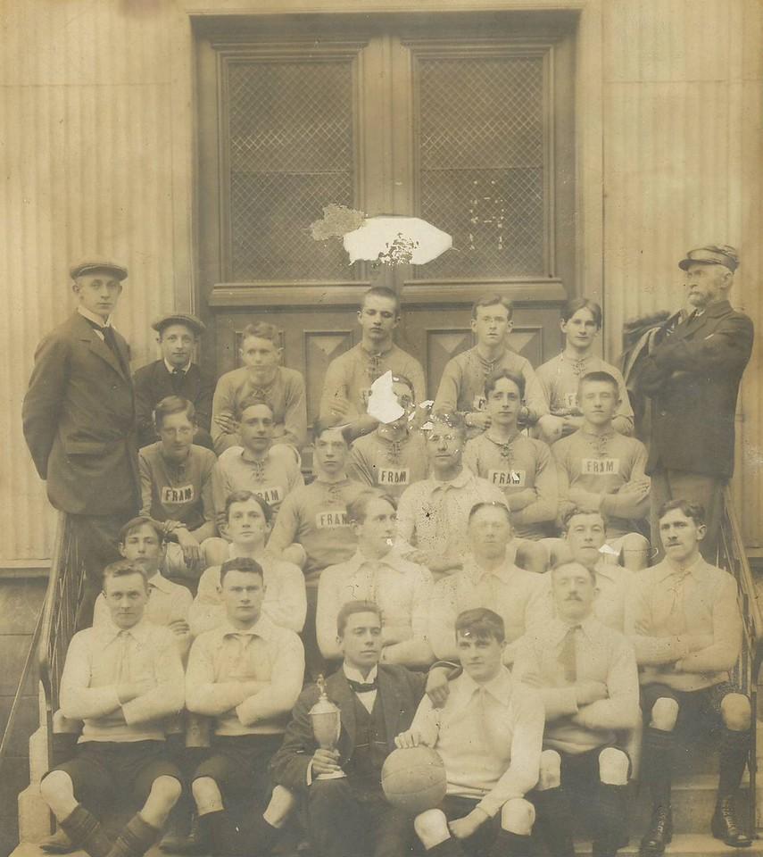 Lið KR og Fram 1912.